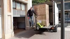 Los cargadores exigen que los conductores participen en las labores de carga rechazando a los que no lleven guantes