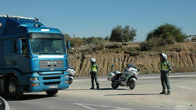 Camiones y furgonetas, objetivo de nueva campaña de vigilancia de DGT