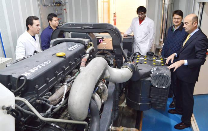 Disfrimur da un motor de camión a una universidad, para investigación