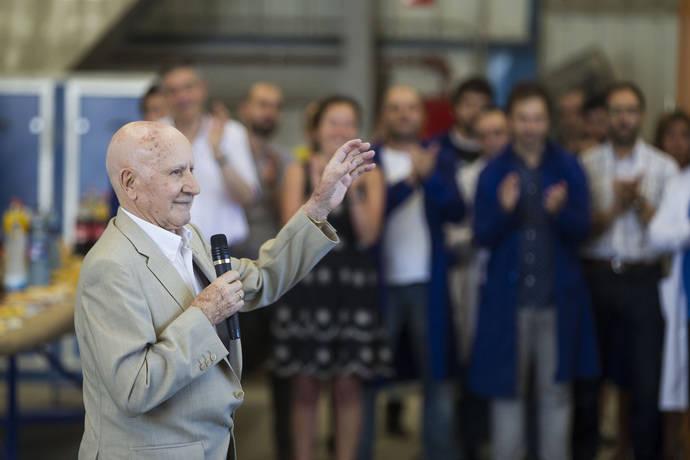El fundador de Castrosua es homenajeado por su 90 cumpleaños