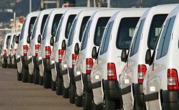 Las empresas tiran del mercado de vehículos comerciales