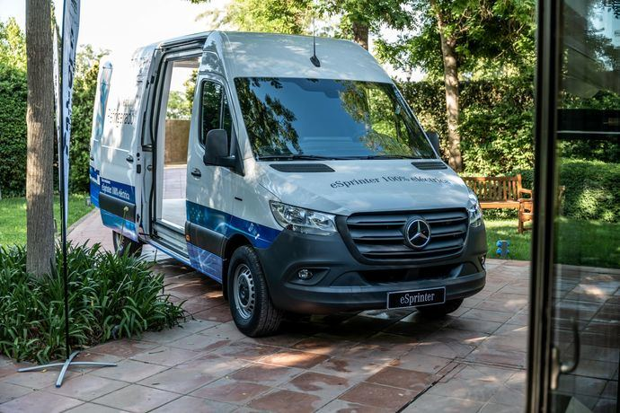 Autolica presenta las eléctricas de Mercedes-Benz, con el CEO Andrés Orejón