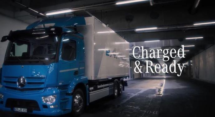 Un nuevo camión para una nueva era: Mercedes-Benz eActros celebra su estreno