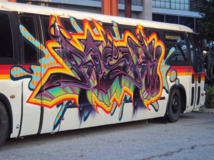 Los grafitis cuestan al transporte público más de 20 millones de euros al año