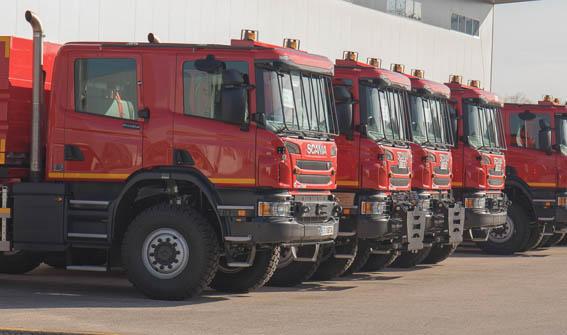La UME incorpora 10 vehículos de Scania