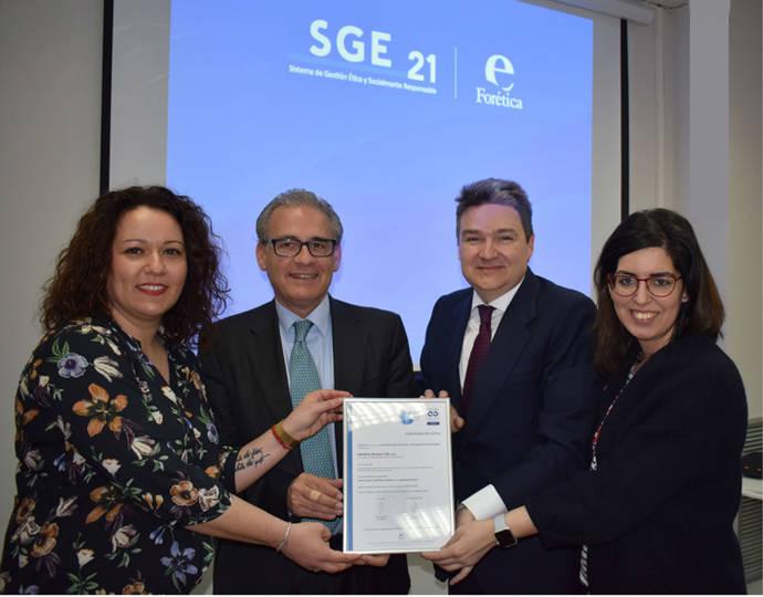 DBLAS recibe el certificado por su gestión ética