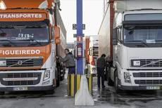 Asociaciones piden al Gobierno intervenir el precio de los carburantes por falta real de bajada