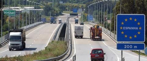 El cierre de fronteras afecta a 10.000 transportistas españoles
