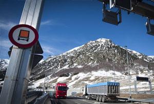 DGT establece una nueva restricción a los camiones en la N-230 en Huesca