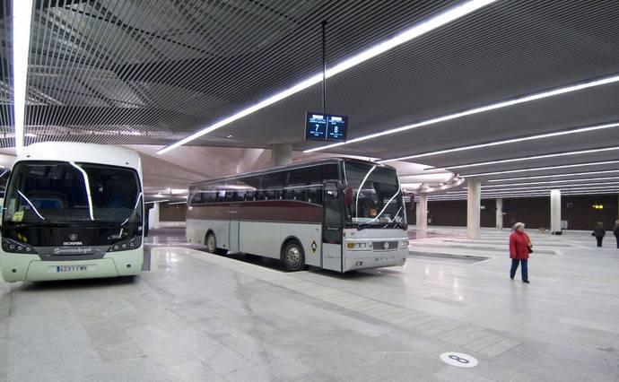 Navarra amplía hasta los 30 años el carné de transporte joven para viajes en autobús