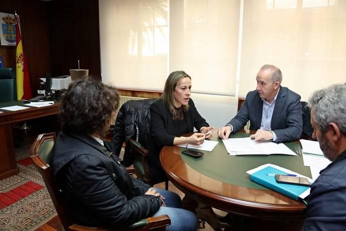 La Xunta y Coristanco analizan las nuevas líneas de transporte público