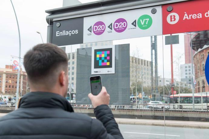 Barcelona, primera ciudad en señalizar los autobuses con etiquetas inteligentes