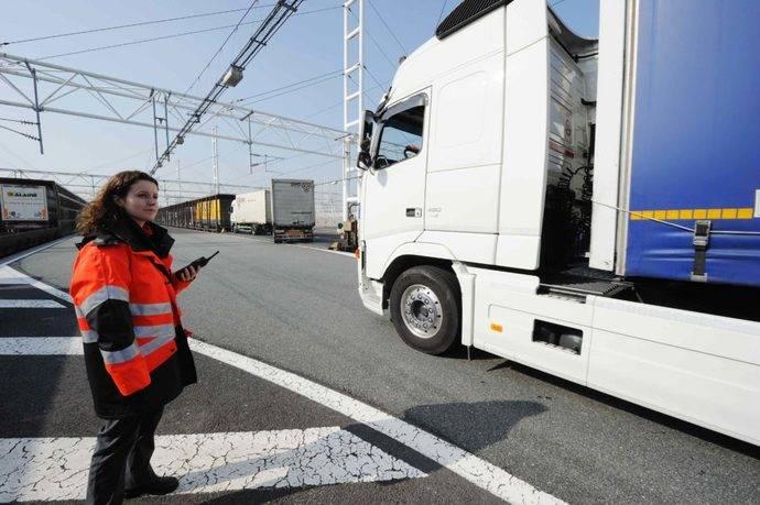 Atfrie defiende Sector frente inmigración clandestina con destino Reino Unido