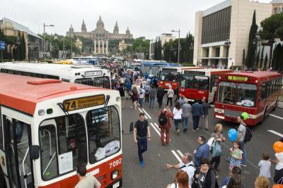 La exposición internacional de autobuses clásicos en Barcelona