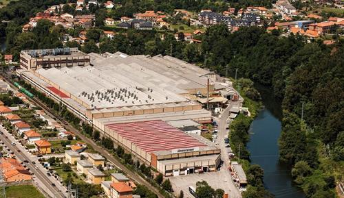 Bridgestone, nueva línea de neumáticos de camión para planta en Cantabria