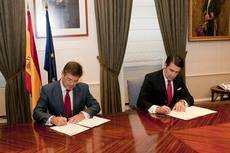 Instante de la firma del acuerdo.