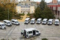 La entrega de los 11 vehículos.