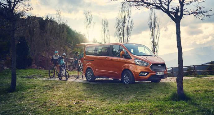 El Ford Tourneo Custom ofrece menos costes y una mejor conducción