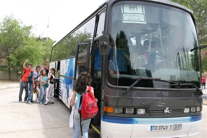 Cantabria saca a concurso el servicio de acompañantes de transporte escolar