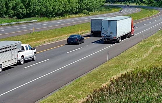 Los camiones tendrán que señalizar sus ángulos muertos en Francia