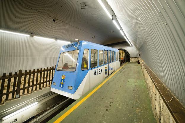 El servicio del funicular de Bulnes está suspendido entre el 18 de febrero y el 1 de marzo, por trabajos de inspección