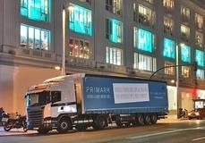 Uno de los camiones de gas natural adquiridos por Primark para la distribucción