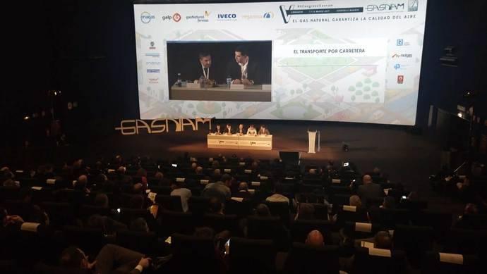 Consenso: el gas natural es el futuro del transporte a medio plazo