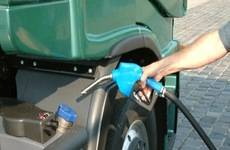 Cuando los clientes lleguen a una estación de servicio y abran el tapón de llenado de combustible en su vehículo, un identificador de combustible común será visible tanto en el vehículo como en el aparato surtidor.
