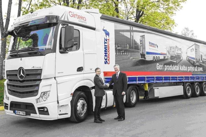 Girteka Logistics mantiene la confianza en Schmitz Cargobull al ampliar su número de remolques