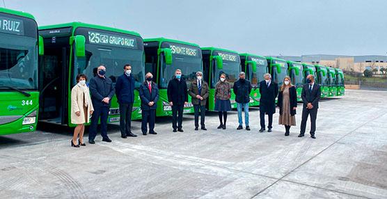 Grupo Ruiz inaugura la nueva base de auto periferia, y presenta 11 nuevos buses