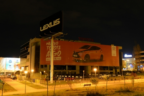 Como empresa participante, Toyota España apagará las luces y desconectará los aparatos electrónicos y los letreros luminosos de sus oficinas.