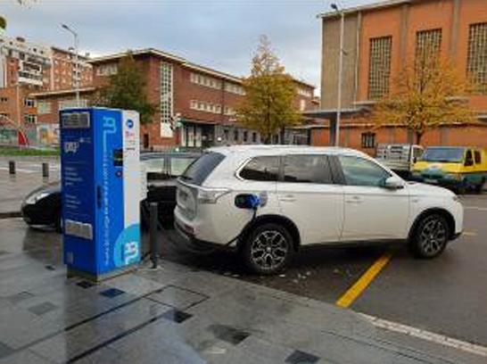 Ibil crea tercer punto carga rápida en Avenida Sabino Arana, Bilbao