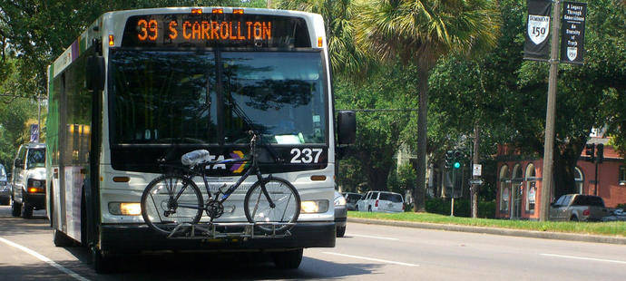 Transporte público, solución para mejorar salud humana y ciudades