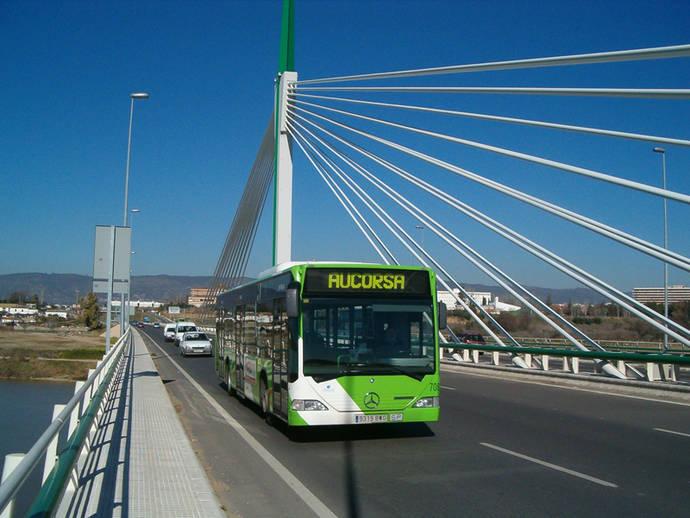 Córdoba es la única capital andaluza que encarece el billete sencillo de autobús