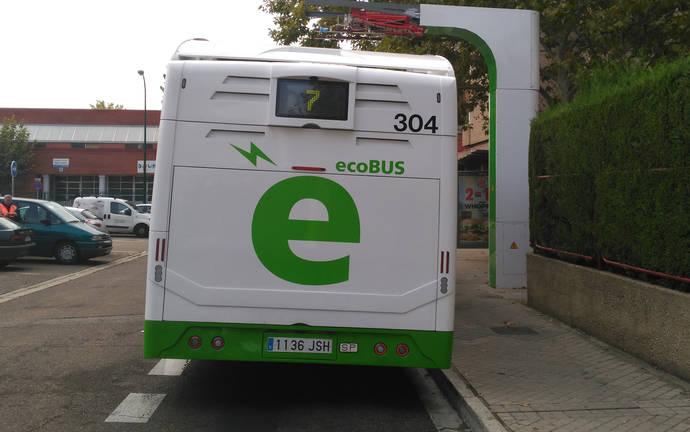 Cinco híbridos de Vectia operan ya en modo 100% eléctrico en Valladolid