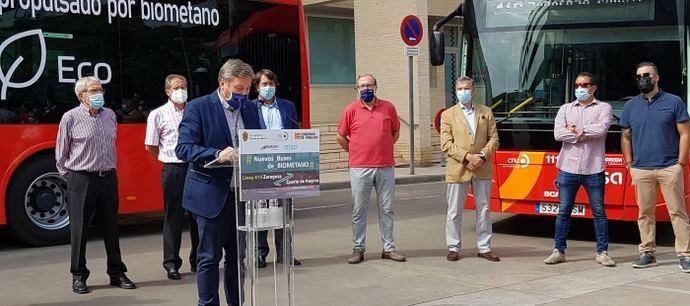Soro presenta los nuevos autobuses de biometano