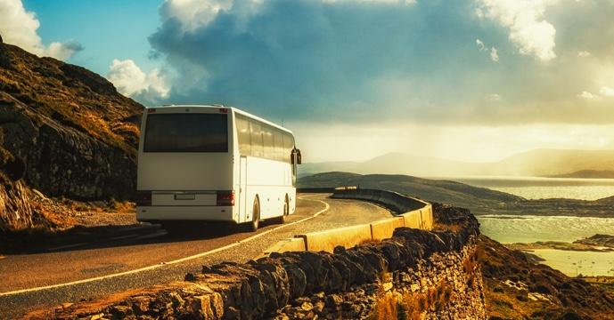 Los autobuses conservan velocidad máxima de 90 km/h en las carreteras convencionales