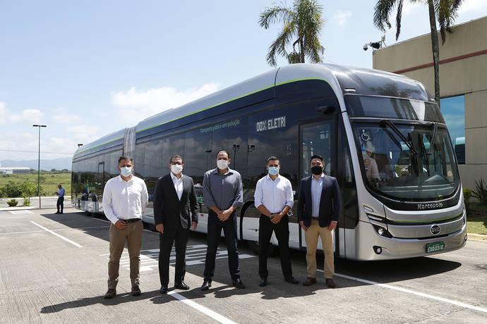 BYD presenta el primer autobús articulado 100% eléctrico de Brasil