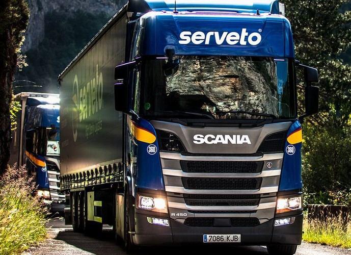 Serveto suma 60 semirremolques Schmitz Cargobull