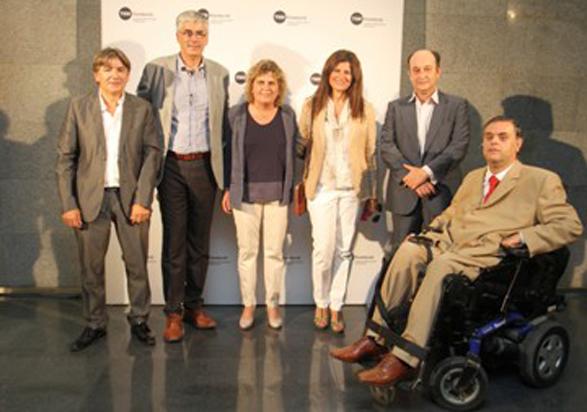 TMB se une con Vodafone y la ONCE para ayudar a los discapacitados
