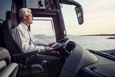 Reunión de la Junta Directiva de ASINTRA con la participación de Iveco Bus y Willis