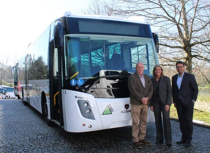 Grupo Castrosua entrega un modelo Magnus.e a Autocares a la compañía Interbús