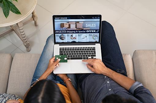 El 50% de las personas online gastan más de lo previsto