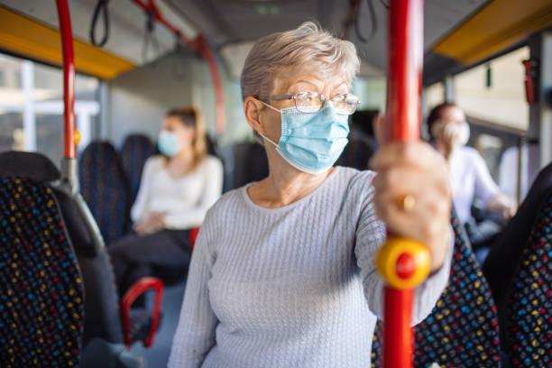 Granada retoma las paradas a demanda para mujeres, del bus búho