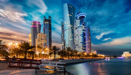 Qatar se decanta por el transporte público de cero emisiones para 2030