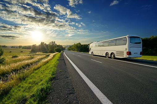 Cómo afrontar el futuro postcovid del transporte, en la industria turística