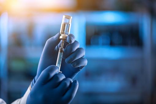IRU urge a la OMS y a los gobiernos la vacunación de los conductores de autobuses y camiones