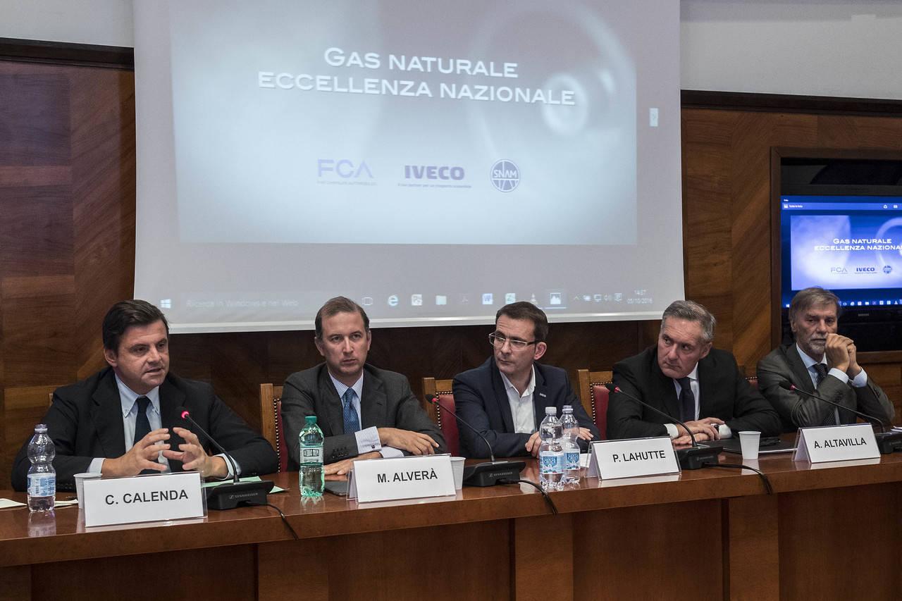 Iveco Bus acoge la reunión de la Comisión Ejecutiva de Atuc