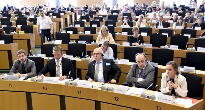 Confebus pide en Bruselas normas sociales para el Sector