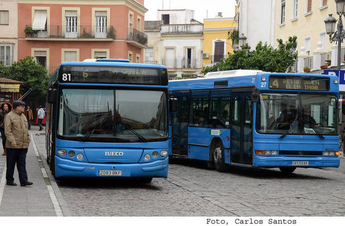 Jerez arregla las rampas de accesibilidad de tres autobuses